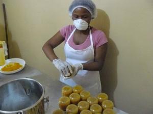 """Proceso de elaboración de las mermeladas """"De mi siembra"""" con los más altos estándares de higiene y calidad"""