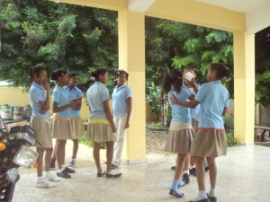Estudiantes del octavo grado rinden Pruebas Nacionales