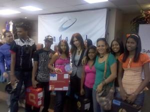 Jovenes de La Cienaga en el momento de las premiaciones en Santo Domingo