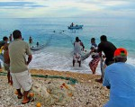La pesca es una actividad que involucra a propios y extraños e incentiva a muchos visitantes a conocer la comunidad